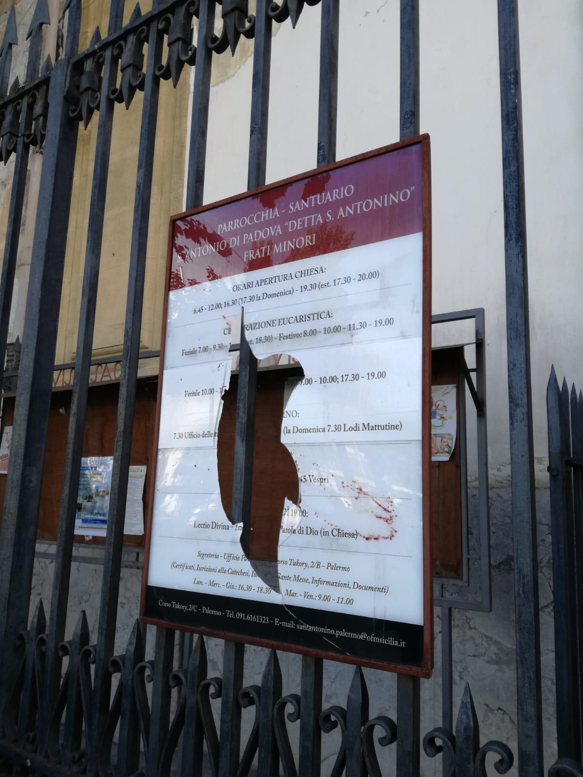 Atto vandalico in Parrocchia